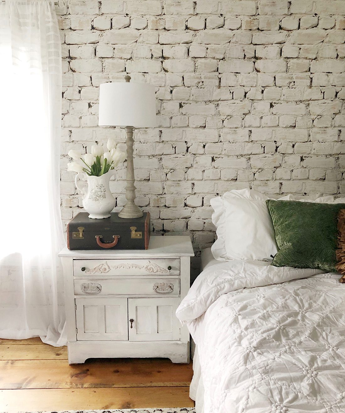 Whitewash Brick Wallpaper • White Brick Wallpaper